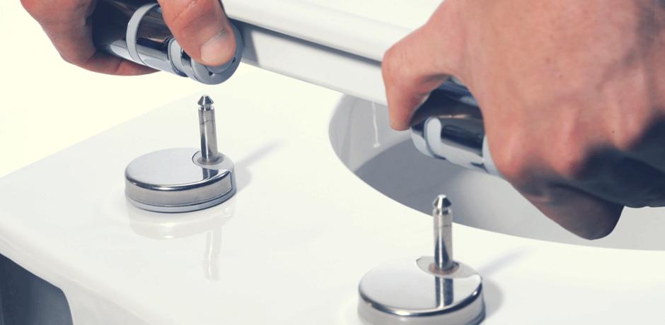 Cambiar el asiento del inodoro: demasiado fácil …