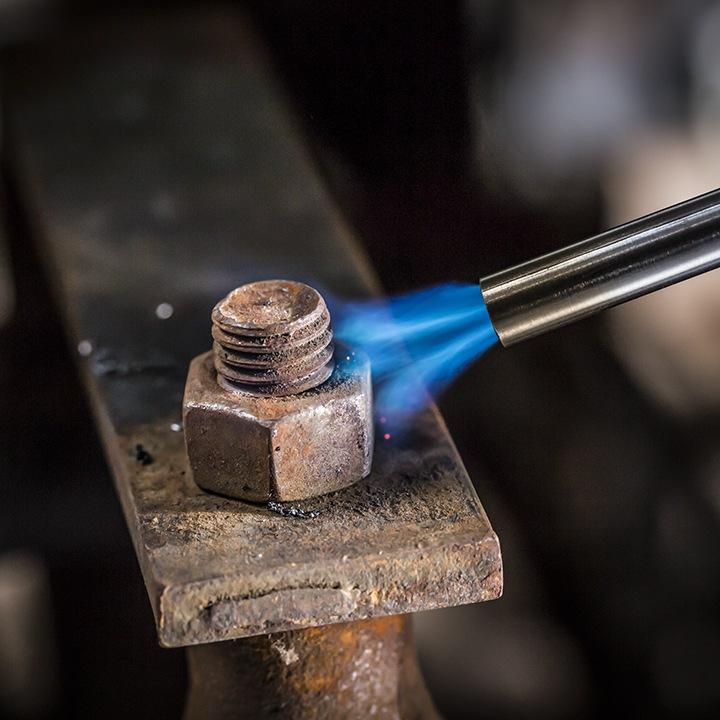 Como sacar un perno o tornillo oxidado