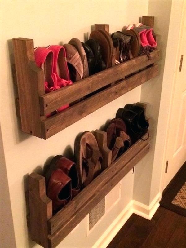 Fabricación de un armario de zapatos con un palet.