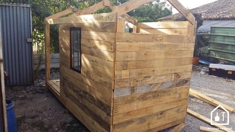 Crea una cabaña de madera para paletas-las paredes