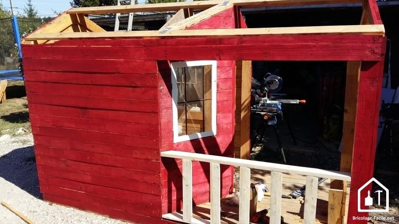 Hacer una caseta de paletas de madera-la pintura