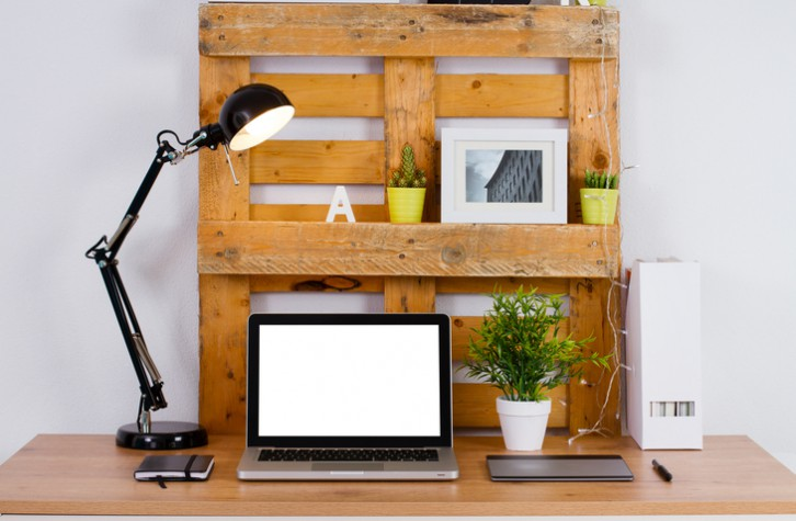 decoracion de oficina con palets