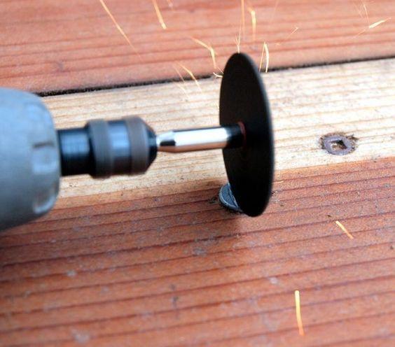 Cómo desenroscar un tornillo roto o desordenado …