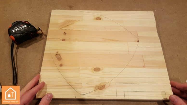 Haciendo un escudo de madera-tablero con diseño de escudo